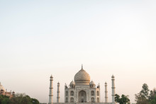 Magnificent White Building Of Taj Mahal
