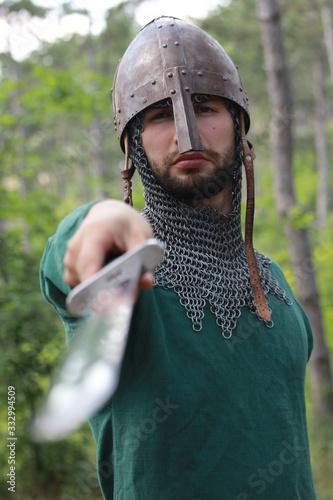 Fototapeta man with sword obraz