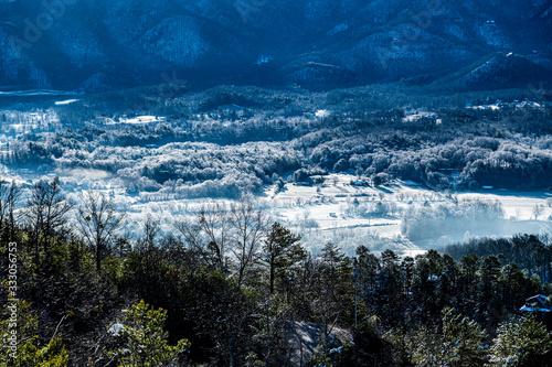 Photo snowy mountain town