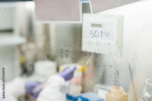 Medizin 50 Millionen Forschung Canvas Print