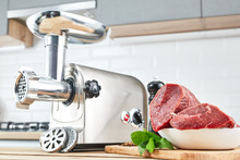 Meat Grinder With Fresh Meat O...