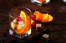 Alcoholic Old Fashioned Cockta...