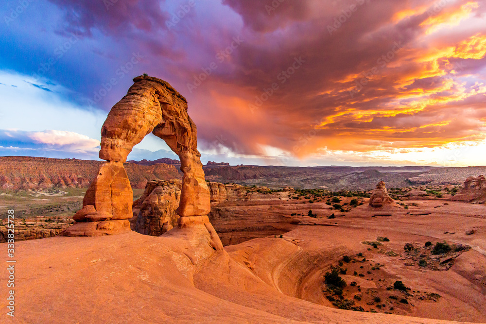 Fototapeta Sunset over Delicate Arch - Desert Arches National Park Landscape Picture