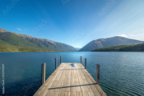 Photo Kerr Bay with the jetty at Lake Rotoiti in Nelson Lakes National Park, New Zealand