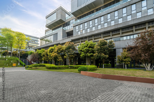 Obraz Green environment of office buildings in science and technology park, Chongqing, China - fototapety do salonu