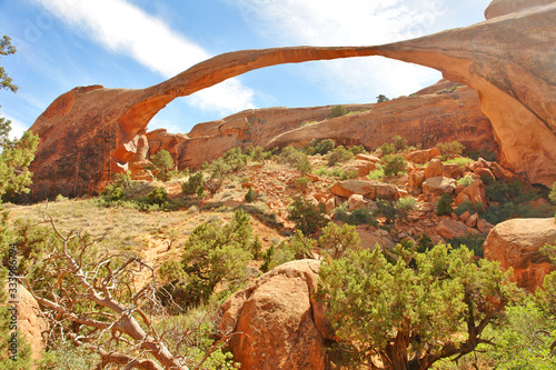 Fotografija Landscape Arch  - the longest of the many natural rock arches located in Arches National Park, Utah, United States