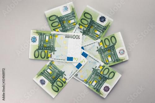 Photo Bonus di 600 Euro per partite iva imprese in Italia