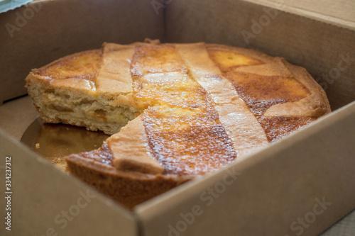 Obraz na plátně Pastiera napletana very tasty cake