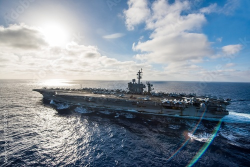 a awesome viewing of war ship from cruise. Fotobehang