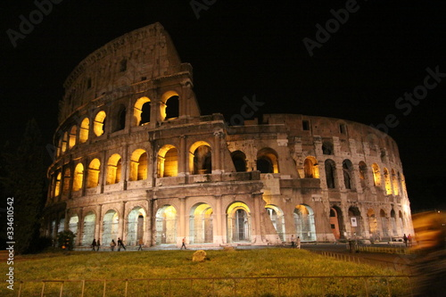 Fotografie, Tablou colosseum at night rome italy