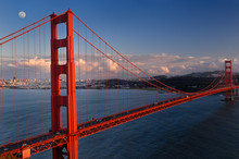 Golden Gate Suspension Bridge ...