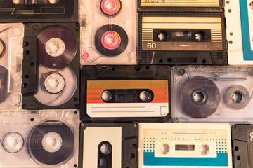 kolekcija retro kaseta. pogled s visoka