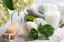 Green Aroma Bath Bombs In Spa