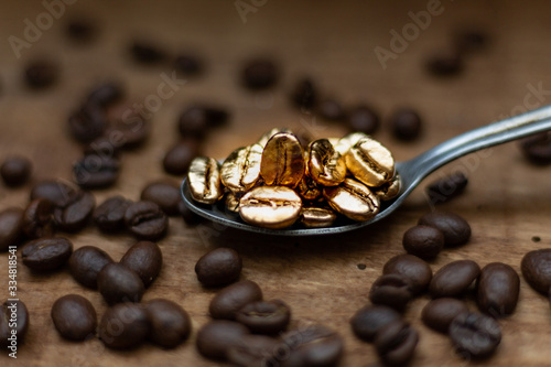 grain de café noir or Fototapeta