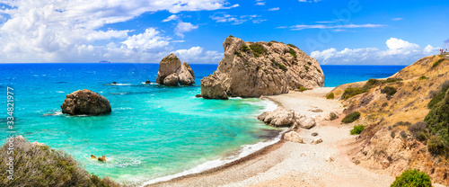 Tablou Canvas Best beaches of Cyprus island - beautiful Petra tou Romiou, famous as a birthpla