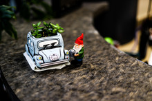 Little Gnome And His Car