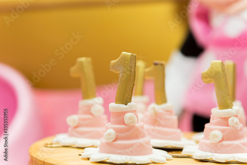 Cupcakes with number one on top Canvas Print