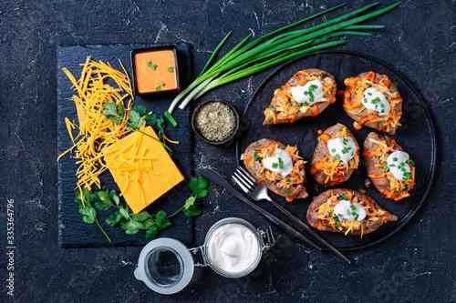 Obraz na płótnie Sweet potato with cheddar cheese and chicken