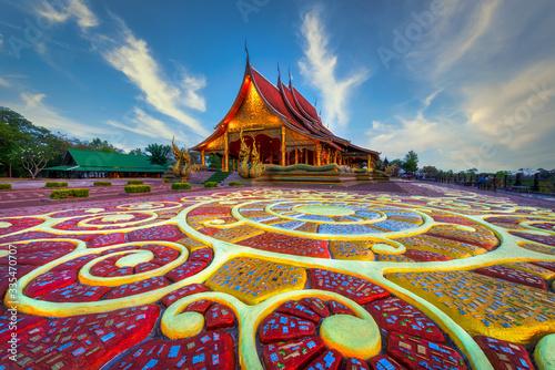 Obraz Beautiful floor pattern as foreground at Sirindhorn Wararam temple (Wat Phu Prao) at Ubonratchathani province in Thailand . - fototapety do salonu