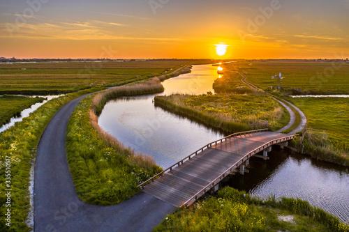 Valokuva Wooden vehicle bridge waterland north holland