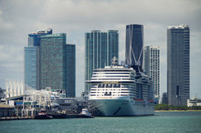 Big Modern Cruiseship Or Cruis...
