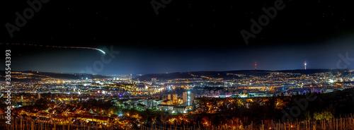 Fototapeta Stuttgart Nacht Panorama, Fernsehturm, Talblick,lichtschweif obraz