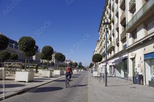Vászonkép Le vélo dans la ville