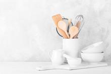 White Modern Dishware