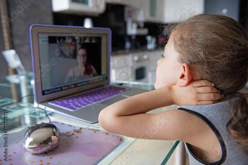 School girl  is studying online Tapéta, Fotótapéta