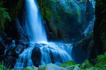 Fototapeta Wodospad A powerful waterfall