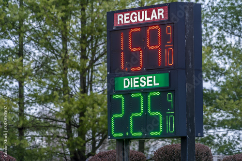 Valokuva Record low gas prices not seen for a decade in the United States due to drastica