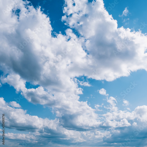 Cloudy blue sky Fototapet