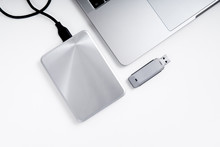 Portable Hdd Connected To A La...