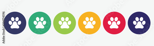 Foto Set of 6 circles with paw print icon. Vector illustration.