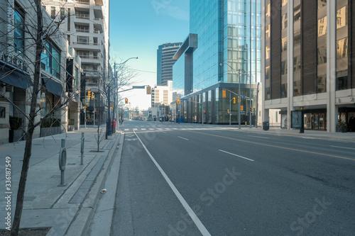 Fototapeta miasto   toronto-canada-during-covid-19-pandemic-empty-city-streets