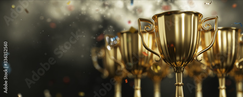 Foto close up golden trophy award with falling confetti
