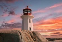 Leuchtturm An Der Küste Von N...
