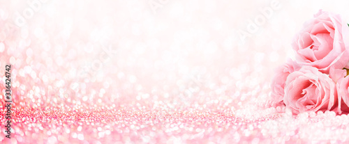 Fotografija Pink roses bouquet and pearls on abstract blur pastel background