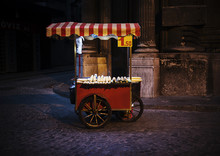 Street Vendor Cart Selling Cor...