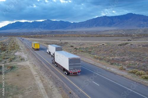 Photo Górska autostrada wieczorem USA Utah 2