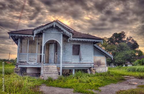 Fotografie, Tablou old abandoned wooden house