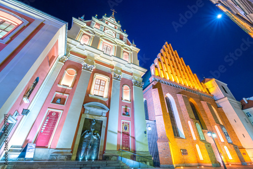 Fotografia A night view of the Jesuit Church and St