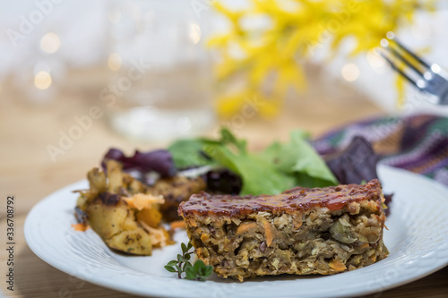 Photo Lentil Loaf rustic veggie meal made of staple pantry items