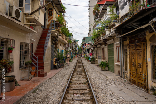Photo 住宅街に走る線路