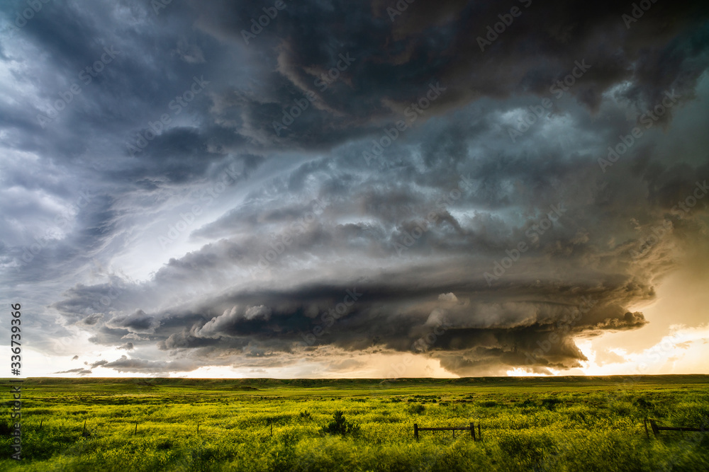 Fototapeta Supercell thunderstorm with dramatic storm clouds