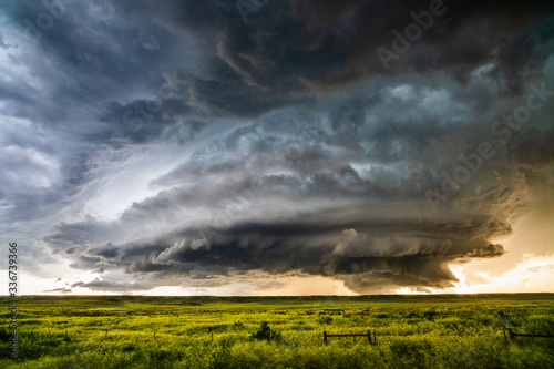 Obraz Supercell thunderstorm with dramatic storm clouds - fototapety do salonu