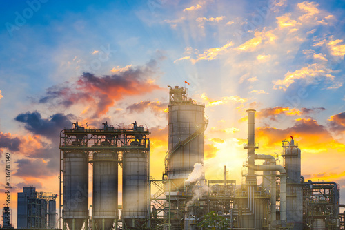Obraz Power plant gas or oil for industry at twilight, Power plant with sunlight - fototapety do salonu