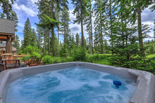 Open Hot Tub In The Back Yard ...