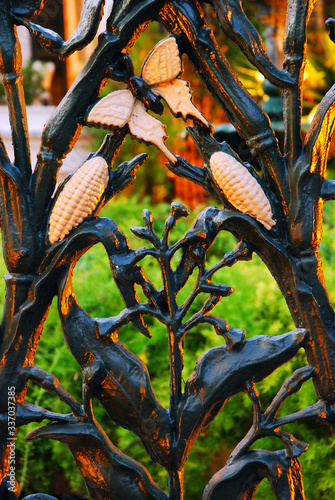 Vászonkép A wrought iron fence with Cornstalk Design Graces the French Quarter in New Orle