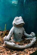 Meditating Garden Frog Statue
